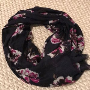 Ann Taylor navy flower scarf